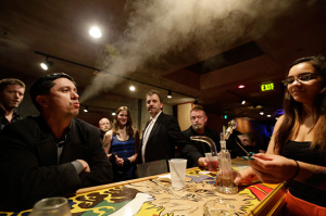 Las Vegas Looks To Open Cannabis Lounges, pothead lounge, stoner lounge, cannabis enthusiasts lounge